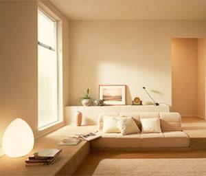 家具の色を壁か床に合わせる