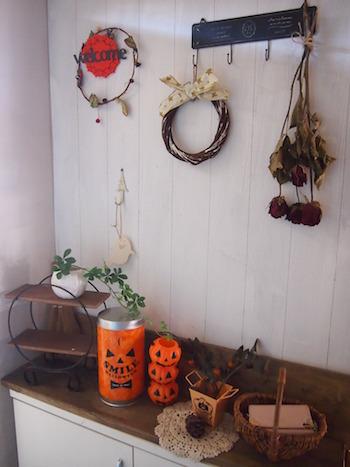 ホワイトインテリアを使った季節ごとの玄関アレンジ