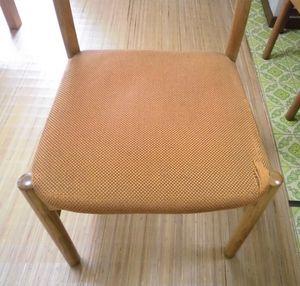 食堂椅子の張替(京都市山科区)