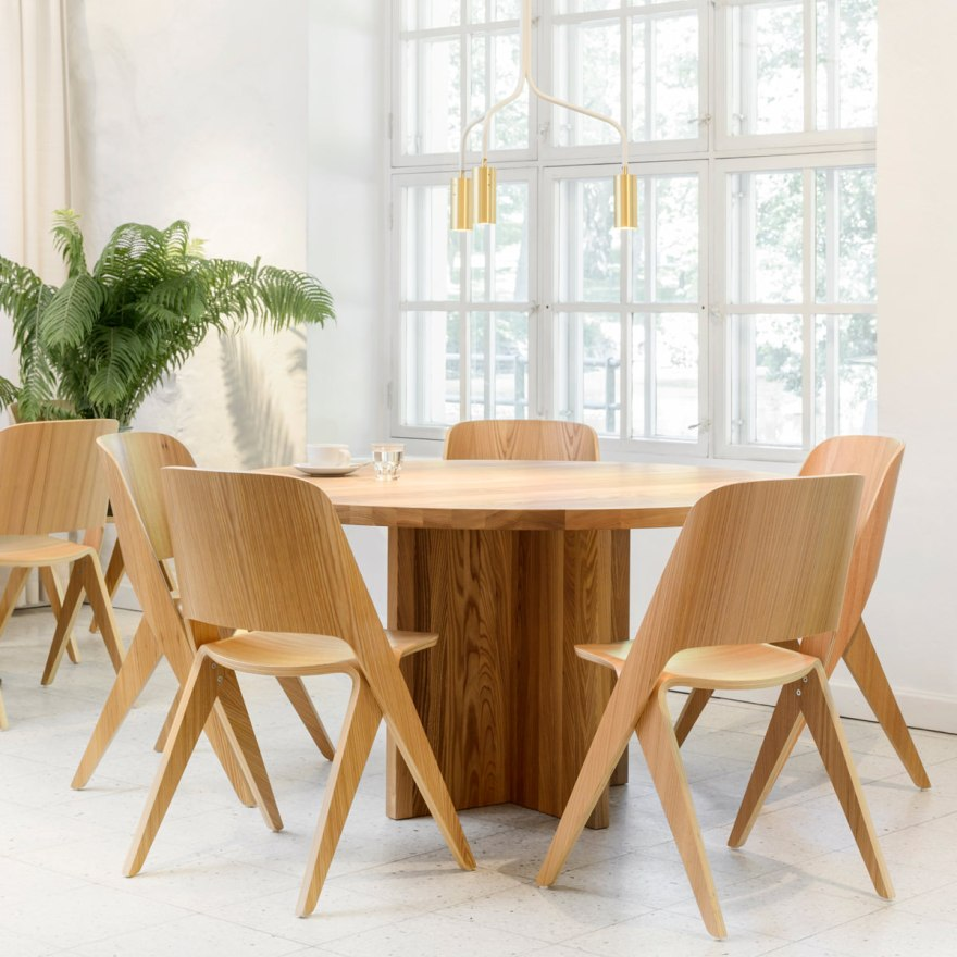 The Perfect Plywood Shape – Lavitta Chair Design by Poiat
