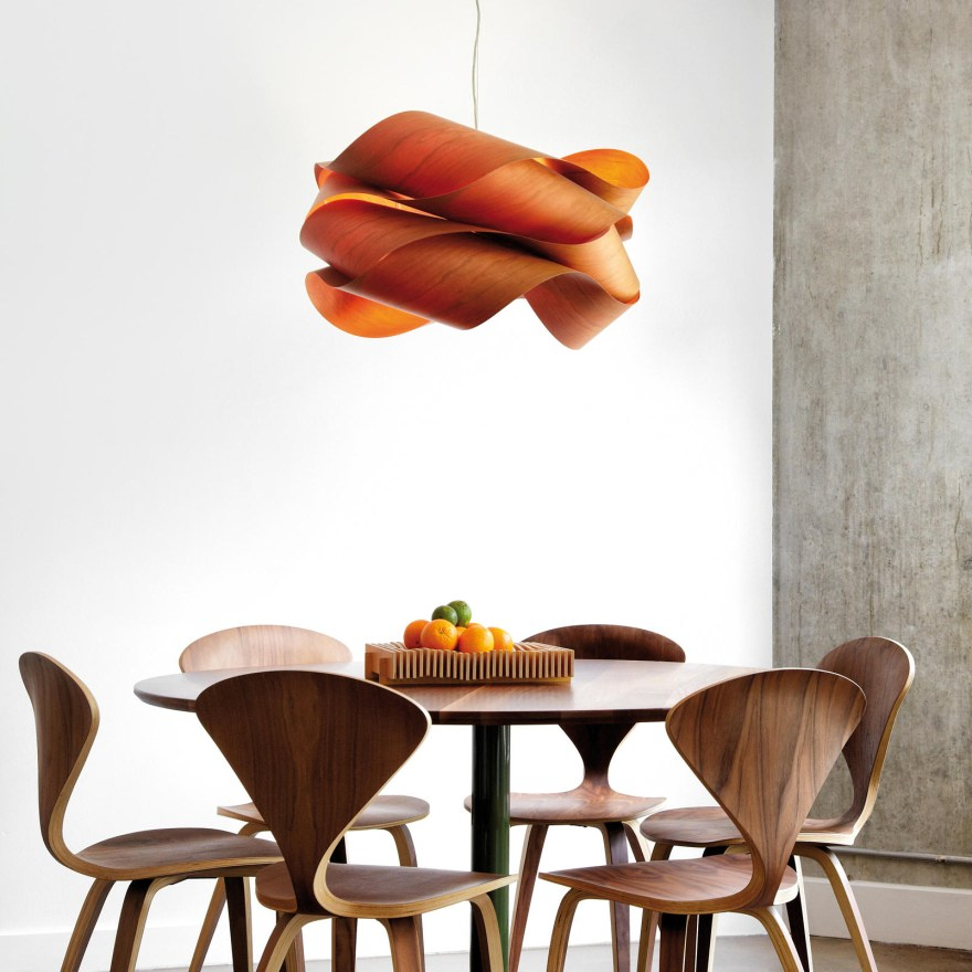 The Soulful Light of Wood – The Swirl Lamp Design by Ray Power for LZF