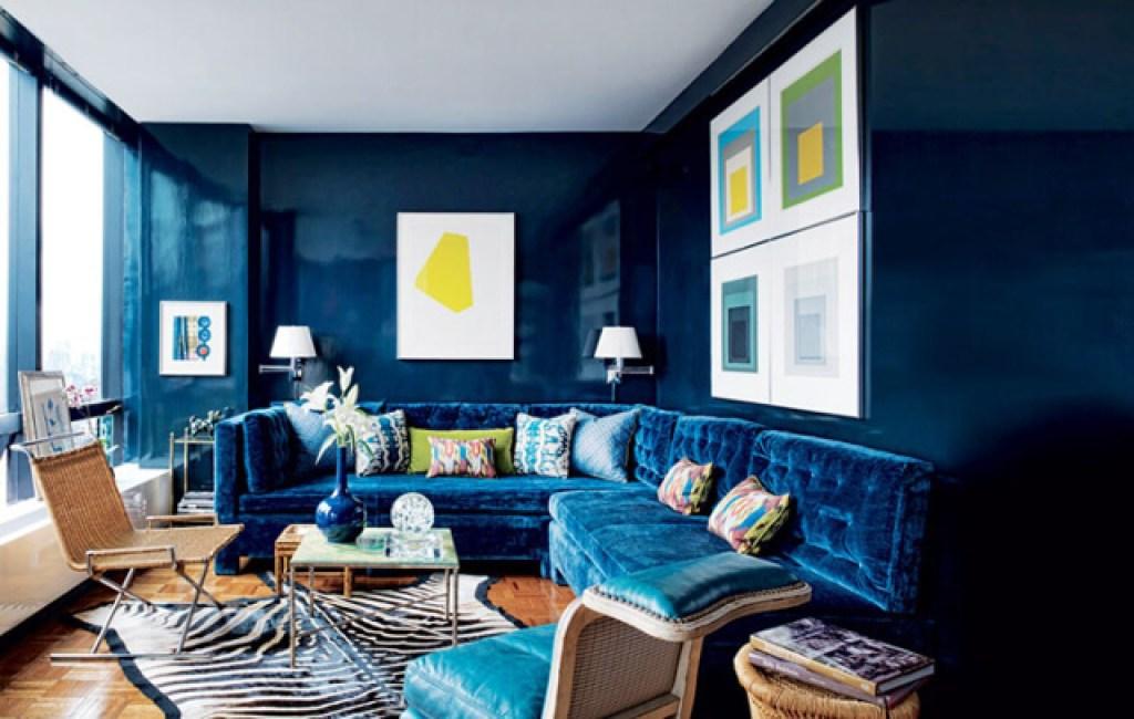 interior rumah dengan pilihan warna biru