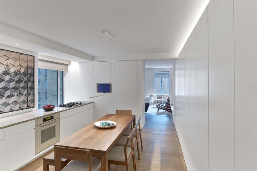 interior ruang makan apartemen studio gaya art deco