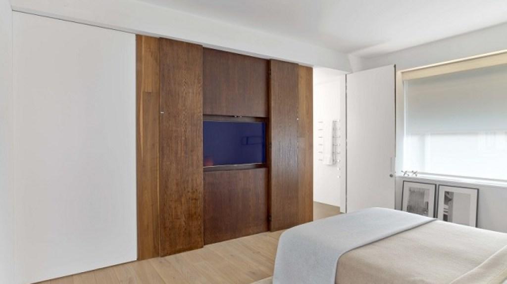 kamar tidur apartemen gaya art deco