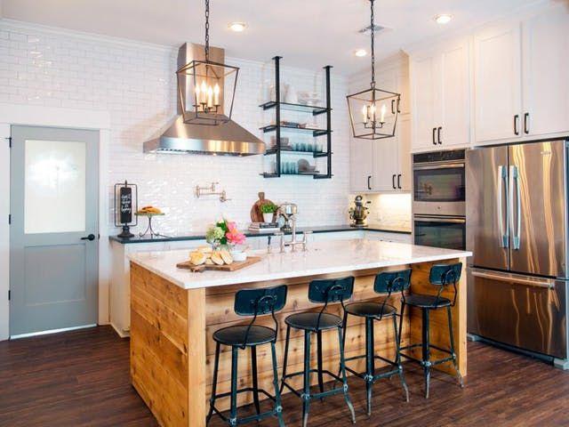kesalahan desain dan dekorasi dapur; area kerja yang leluasa dan penempatan meja island yang pas