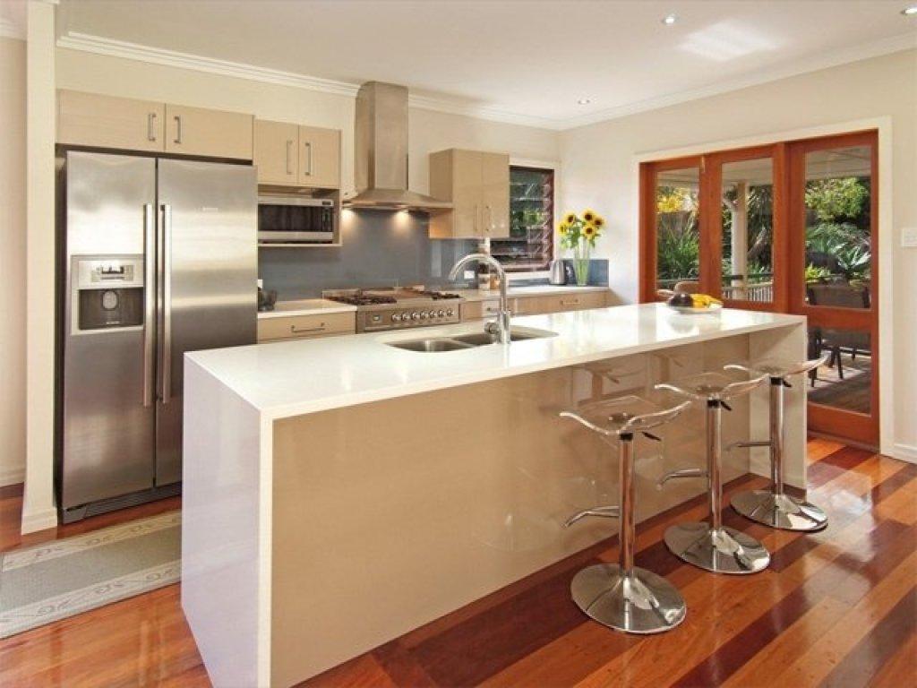 Kesalahan desain dan dekorasi dapur; desain island yang menyatu dengan wastafel/sink