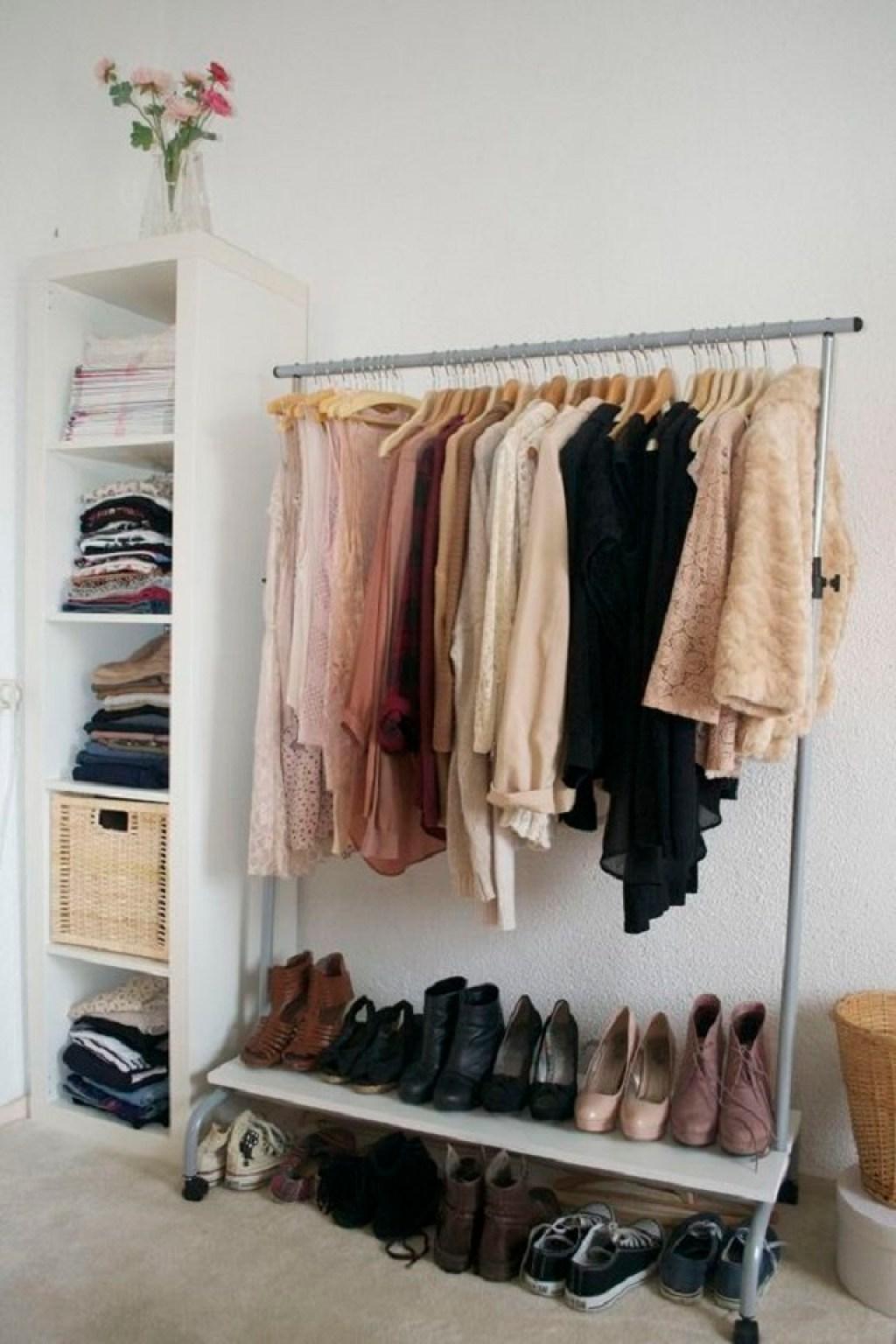 mini wardrobe kombinasi rak dan laci