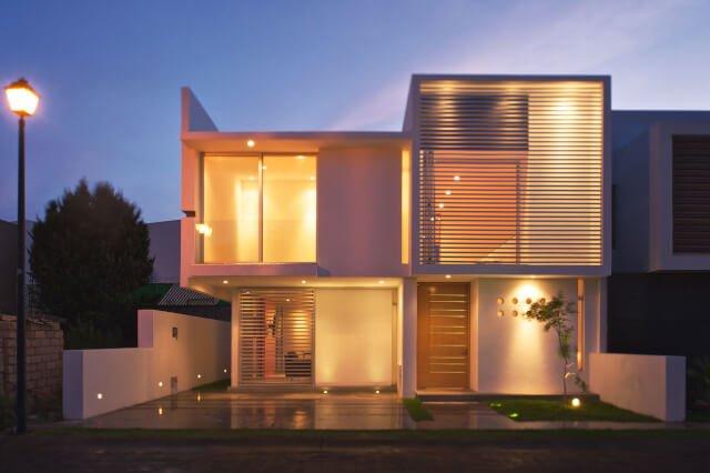 fasad rumah minimalis dua lantai