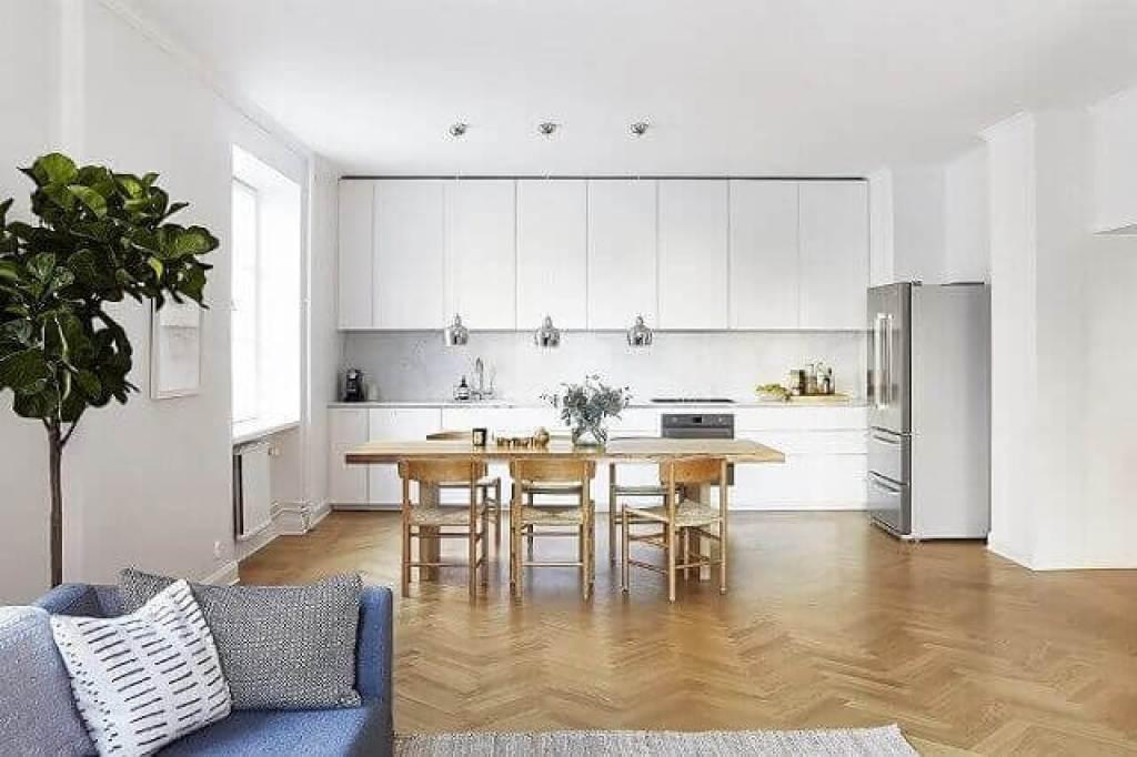 Interior minimalis dengan konsep lantai/ruang terbuka