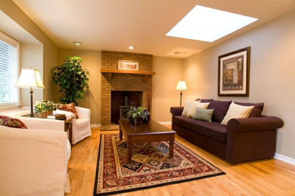 How To Adorn Room With Warm Color Scheme
