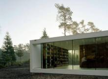 Villa Design Ideas - Wide Glass Walls also White Wall under the Flat Roof