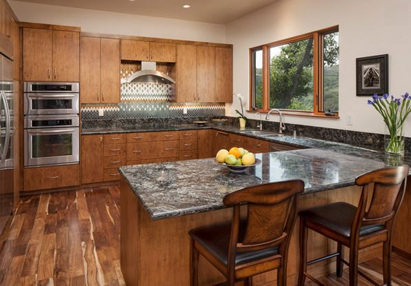 Lovely Kitchen Design With Granite Countertops 5