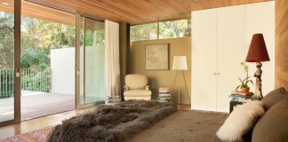 Luxury Glass Sliding Doors To Design A Modern Bedroom