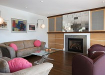 Stunning Living Rooms Design Ideas With Mirrors