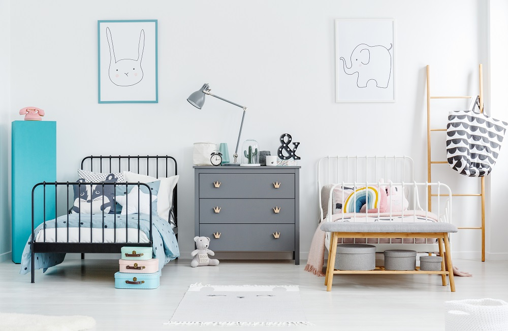 Easy Decorating Solutions for Dueling Siblings\' Bedroom ...