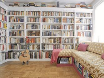Cozy Home Library Interior Ideas ⊶ Via Futuristarchitecture #BookStorage