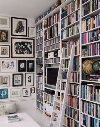 Ways To Decorate With Books ⊶ Via Theeverygirl #DreamLibrary