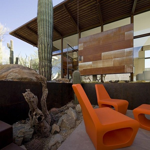 brown-residence-outdoor
