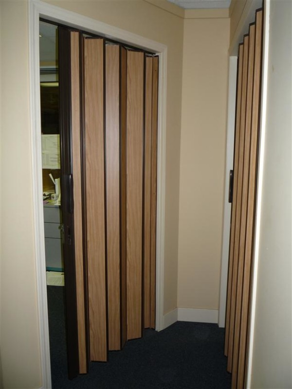 22 ACCORDIAN DOORS EASE AND BEAUTY Interior Amp Exterior