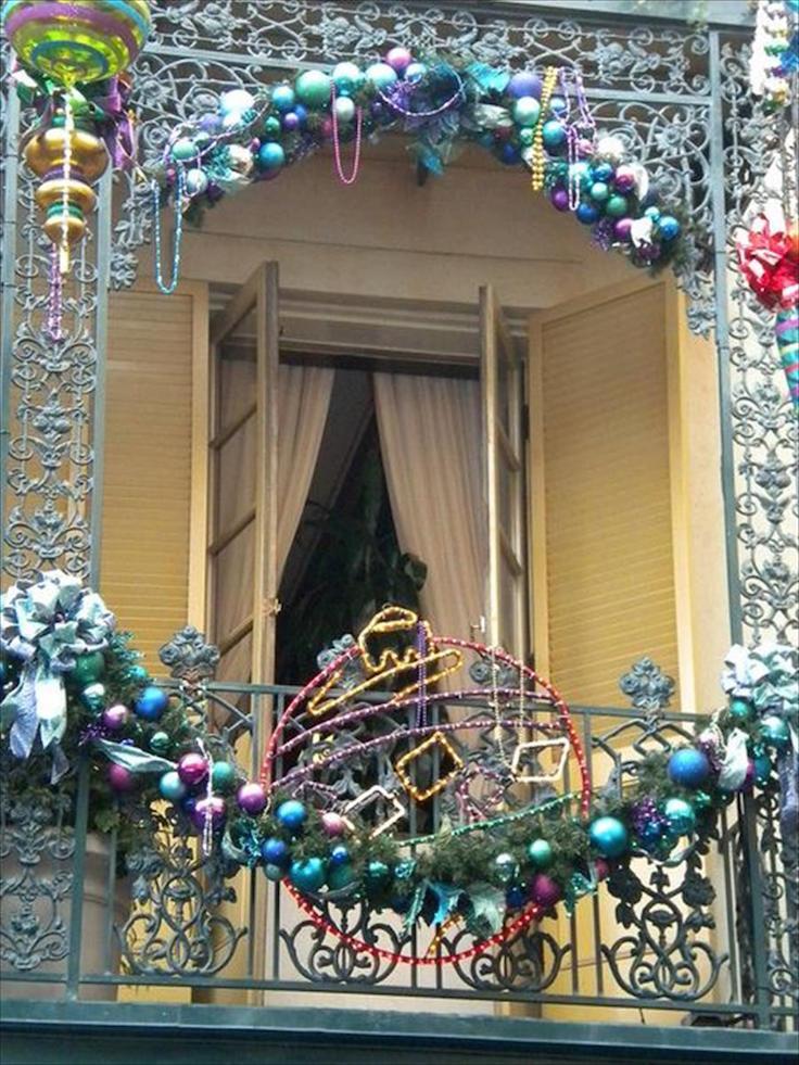 17 Refreshing Christmas Balcony Decor Ideas Interior God