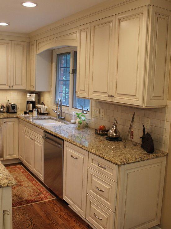 23 Elegant Cream Kitchen Cabinets To Get Inspiration