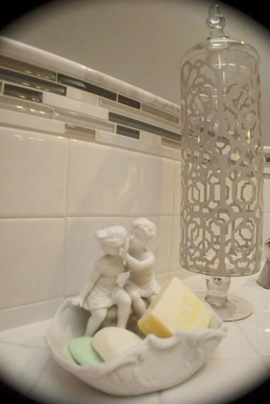 soap dish bathroom details young kiss