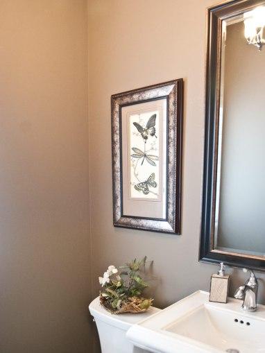 Powder-Room-Simple_Elegant
