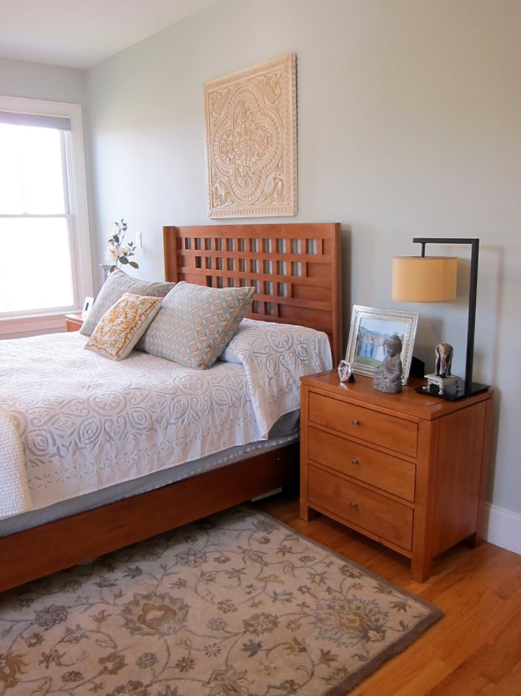 Master Bedroom - Bed with Rug