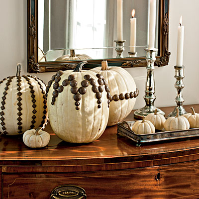 Nailhead White Pumpkins