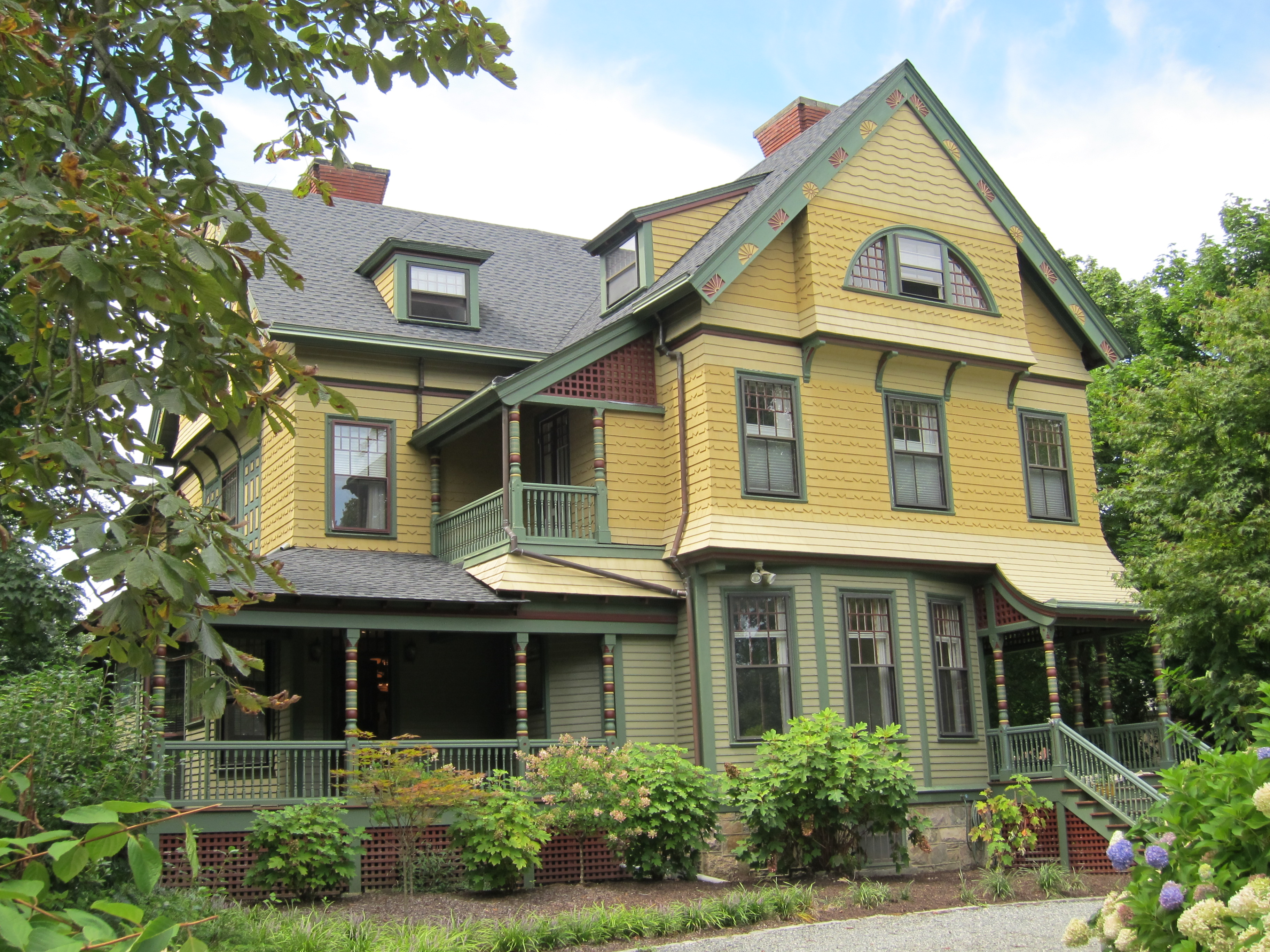 Architectural Color In Newport