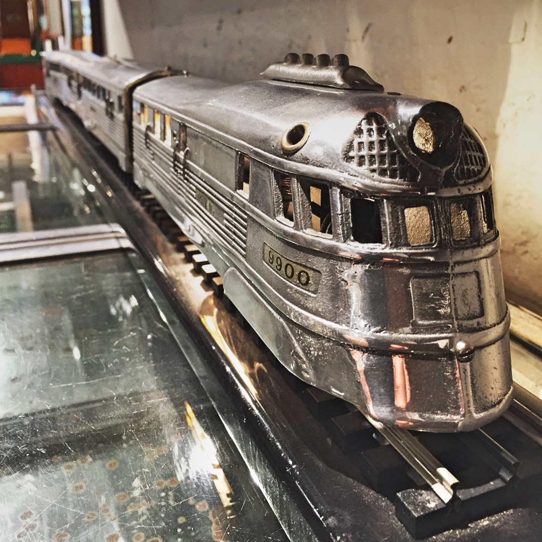 IMG_8696 hong kong timothy oulton rare train lamp