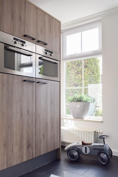 moderne loopauto in keuken