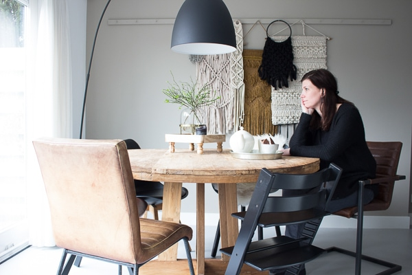 Ronde Eethoek Tafel : Hoe een ronde eettafel een grote verbouwing voorkwam interiortwin