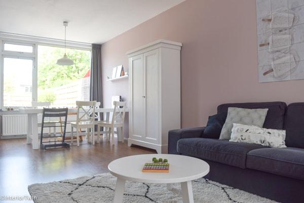 witte scandinavische inrichting met histor Melkweg (roze)