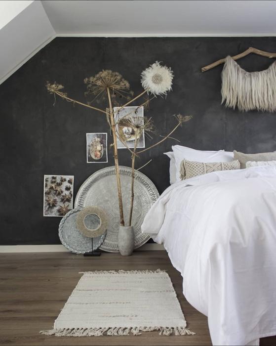 betonlook muur slaapkamer anne_kohnke