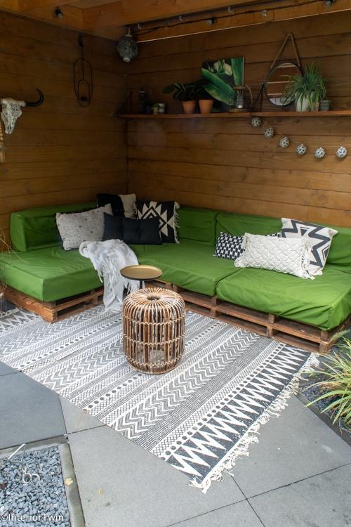 inrichting overkapping kleine tuin