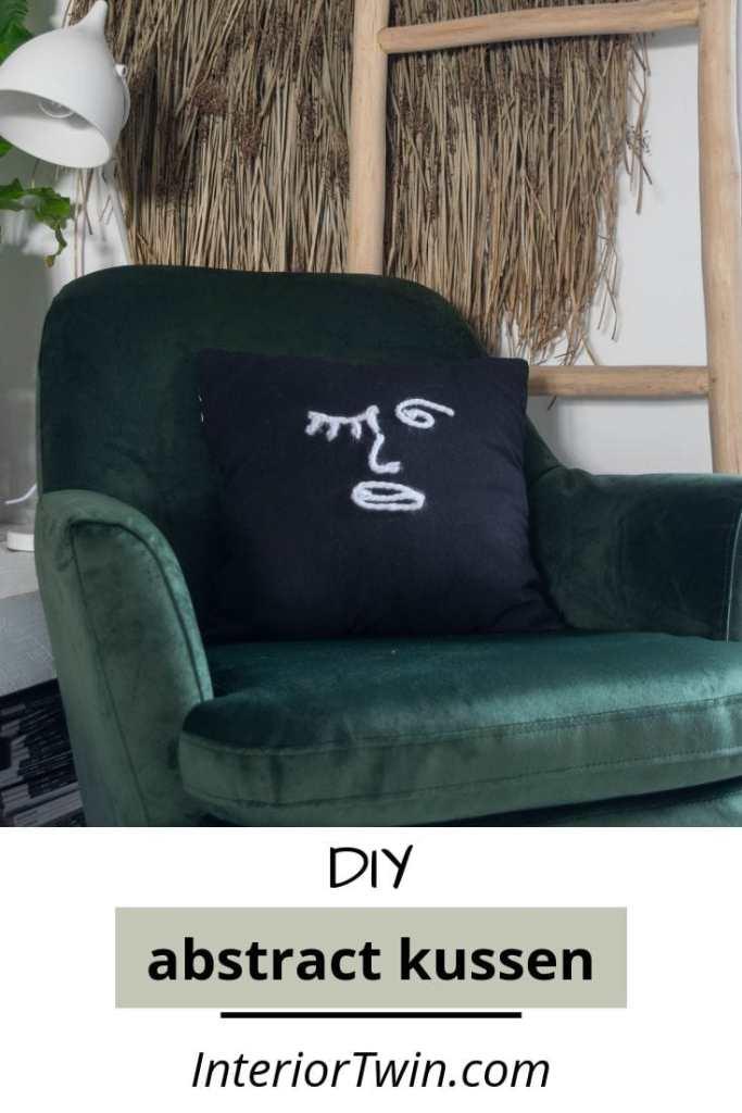 DIY maak zelf een abstract zwart kussen met wol