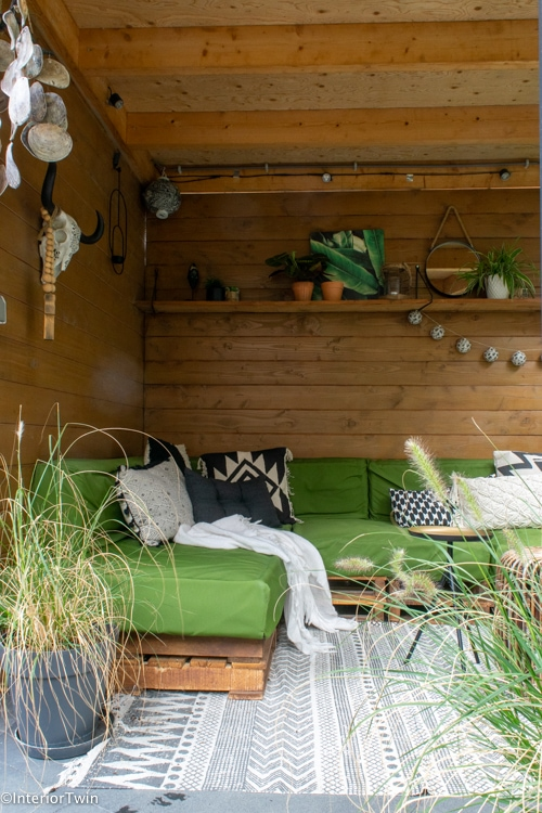 palletbank overkapping kleine tuin