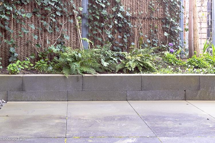groene aanslag zonder giftige of schadelijke middelen verwijderen tuin tegels