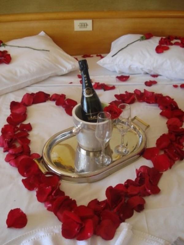 25 Romantic Valentines Decorations Ideas For Bedroom