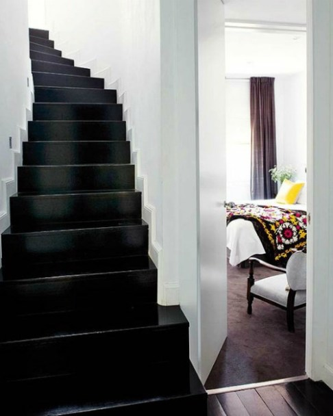 Photo: http://www.martinelouise.com/2012/01/design-noir-black-interior-accents.html