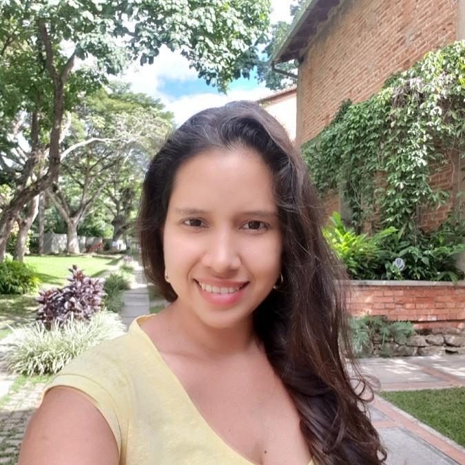 Irene Arzolay