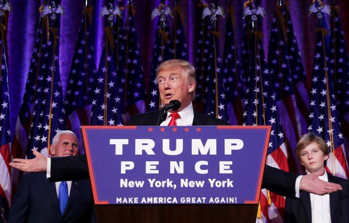 Trump discursa para seus apoiadores após a confirmação de sua vitória na eleição presidencial (FOTO: Chip Somodevilla/Getty Images/AFP)