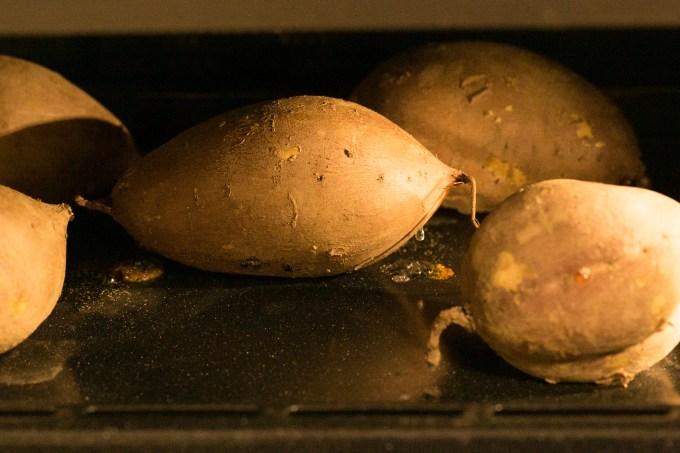 秘蜜のポテト オーブン内