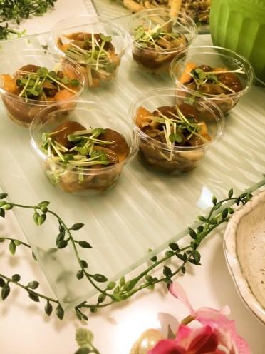 野菜ソムリエ ポットリックパーティー料理 おっきいなめこと柿のマリネ