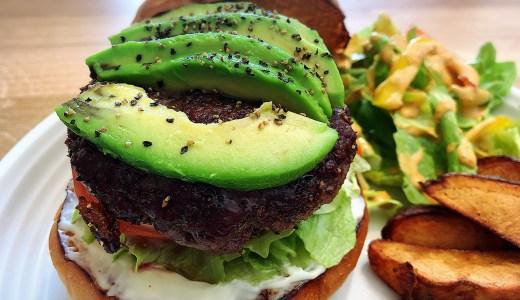 名古屋・千種区 池下の「The Burger Stand - N's -」のミディアムなハンバーガーが旨い!