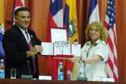 Faouzi Kechrid, president of the World Association of Veterinary Science; Beatriz Amaro Villanueva, president of the Scientific Veterinary Council of the Republic of Cuba and president of the Organizing Committee of the XXIV Pan-American Congress on Veterinary Science