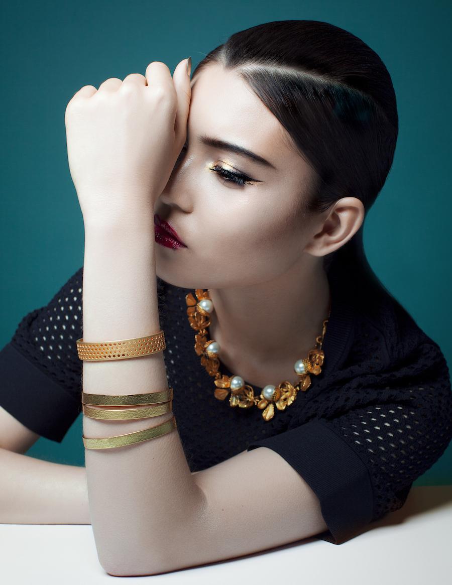 gold jewelry beauty shoot