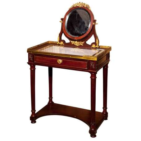 french antiques coiffeuse