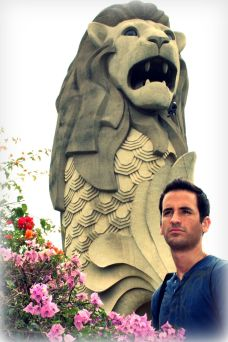The very big merlion of Singapore
